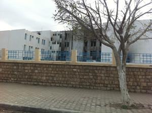 Office des douanes à Gabès brulé.
